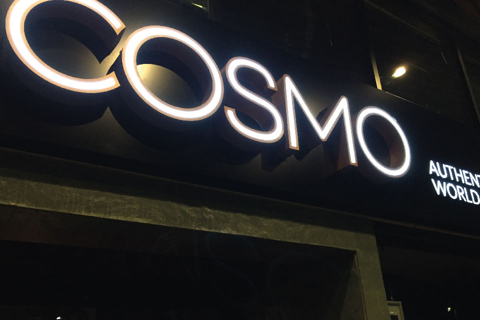 signs-edinburgh-3D-Letters-Built-up-centre-lit-signs-edinburgh-cosmo-sign
