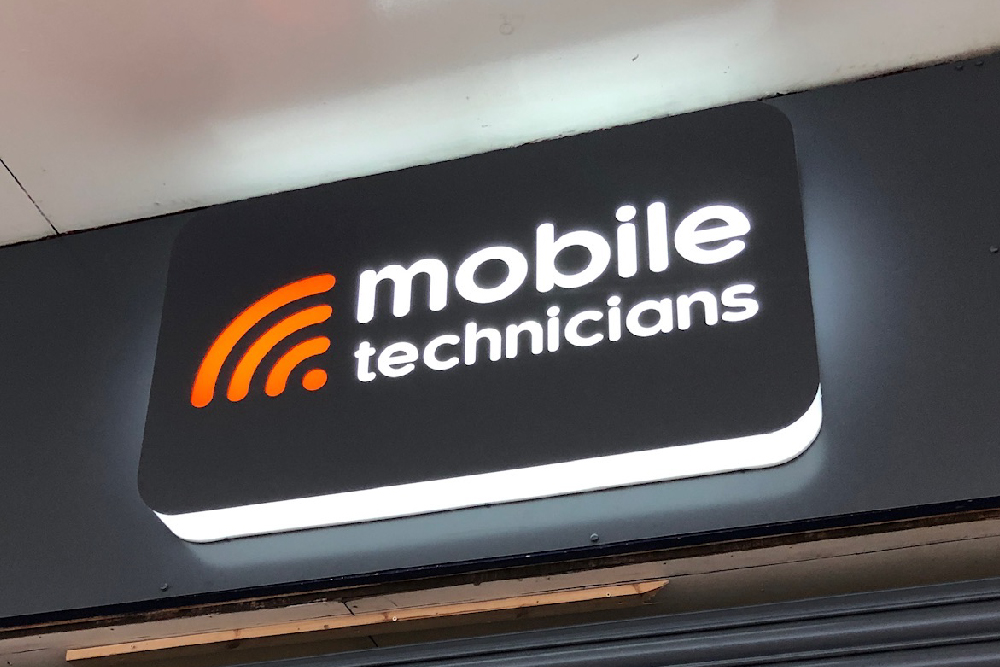 signs-glasgow-mobile-technicians-3d-light-box-signs-glasgow-edinburgh-signs
